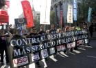Miles de funcionarios municipales protestan contra Botella
