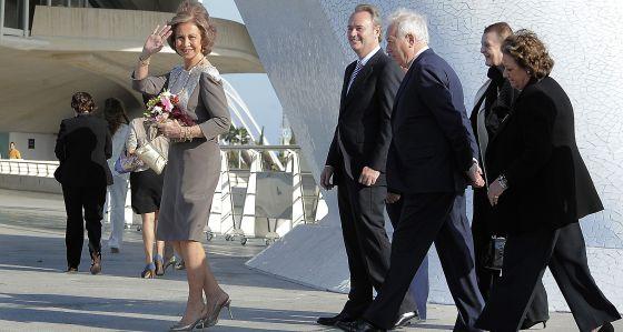 La reina Sofía, ayer por la tarde, a su llegada al Palau de les Arts de Valencia.
