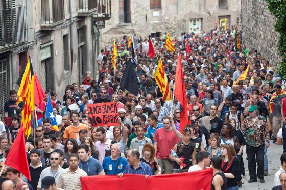 Los manifestantes, ayer en el centro de Vic.