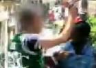Un policía dispara dos tiros al aire durante el arresto de un 'mantero'