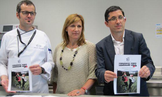 Desde la izquierda, Aitzol Zugasti, profesor del BCC, Alasne Uribarri, Directora Técnica de la Fundación Hazi y Jose Maria Aizega, Director del BCC