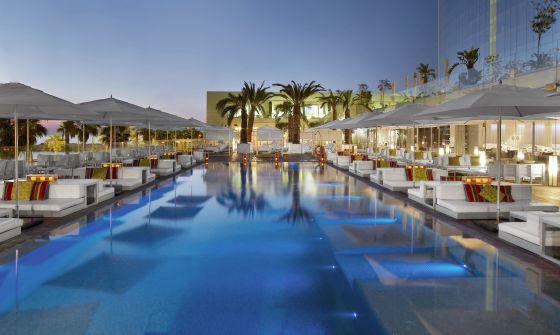 La música electrònica és la gran aposta de l'espectacular terrassa de l'Hotel W Barcelona.