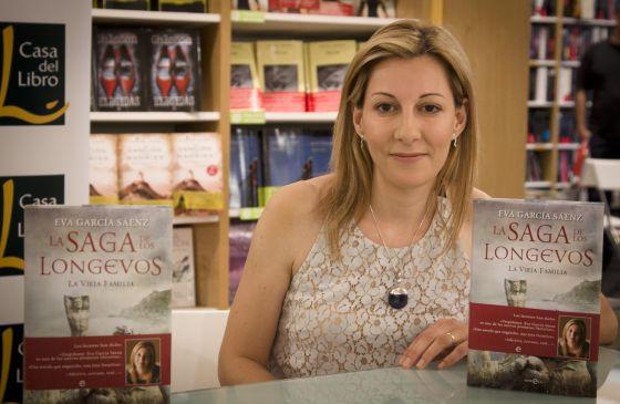 La escritora Eva García, en la presentación de su libro.