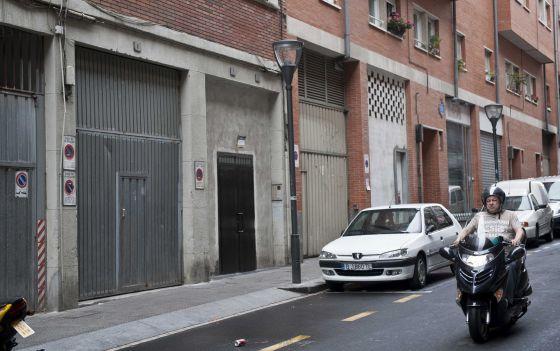 Calle Cortes, en el barrio bilbaíno de San Francisco, donde ha muerto apuñalado un joven de 21 años.