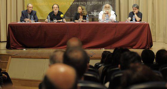 Miembros de la directiva de Avetid, en la presentación del informe sobre Teatres en la SGAE.