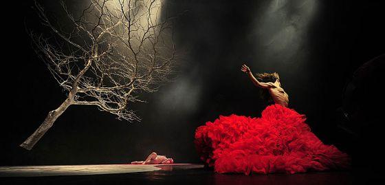 Un momento de 'Drácula, un vampiro del siglo XXI', de Vértice Dance.