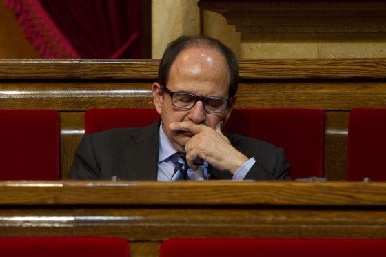 Xavier Crespo, en su escaño del Parlament.