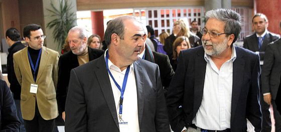 Juan Manuel Fernández y Francisco Toscano, en la pasada asamblea.