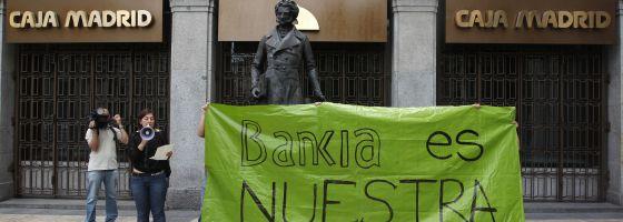 Protesta ante la sede de Bankia.
