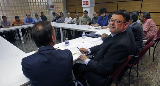 Ximo Puig, durante la reunión con representantes del sector audiovisual.