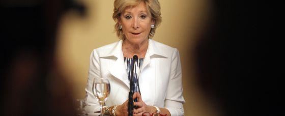 Esperanza Aguirre, durante la rueda de prensa de presentación del ajuste.