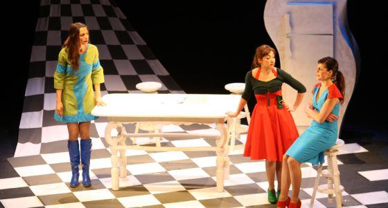 Un momento de 'La hora feliz', de Caramala Teatro, que estará en el ciclo de Málaga.
