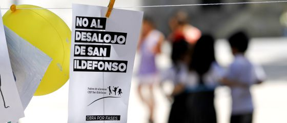 Protesta en el colegio San Ildefonso.