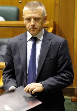 Javier Carro, durante el pleno ordinario de la Cámara.