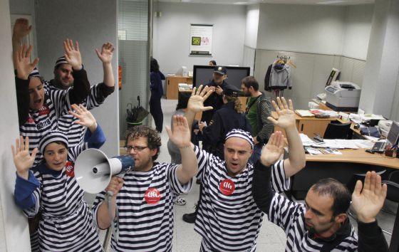 La cig ocupa varias oficinas de bankia para protestar por for Oficinas de bankia en madrid