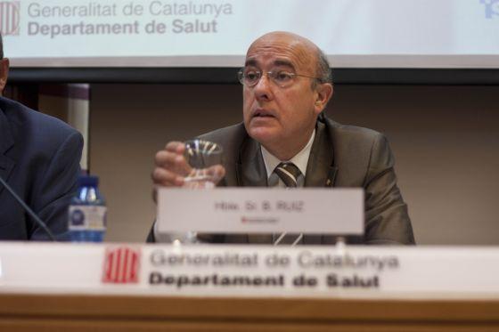 El consejero de Salud de la Generalitat de Cataluña, Boi Ruiz, informa sobre la implantación del euro por receta.