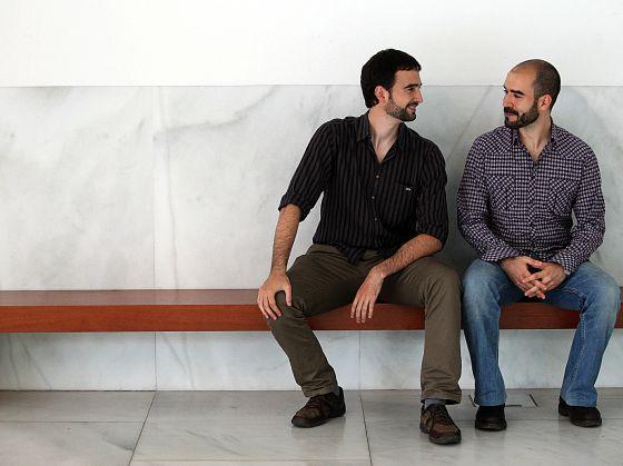 Raúl López, a la izquierda, y Gaizka Fernández, en el paraninfo de la UPV en Bilbao.
