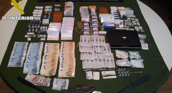Material incautado en la operación contra los culturistas que vendían anabolizantes ilegales.