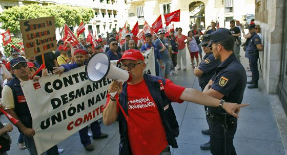 Unas 200 personas participaron en la manifestación de Unión Naval.