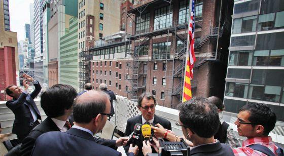 Artur Mas, el viernes en Nueva York atendiendo a la prensa.
