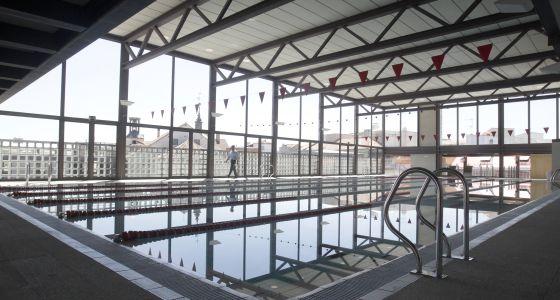 Al fin una piscina cubierta en el centro madrid el pa s for Piscina hortaleza