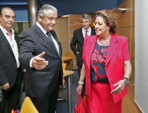 La alcaldesa de Valencia, Rita Barberá, con el presidente de Feria Valencia, Alberto Catalá.