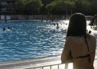 Multa de 750 euros por comer un bocata en la piscina municipal