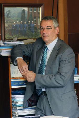 Antón Damborenea, en su despacho en la sede del PP en Bilbao.