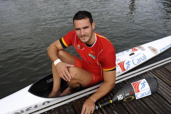 Saúl Craviotto, con su piragua el pasado sábado en Asturias, adonde ha ido para entrenar antes de los Juegos Olímpicos.