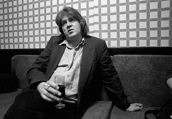 Imagen del ex Rollingstone, Mick Taylor, en una entrevista en 1996