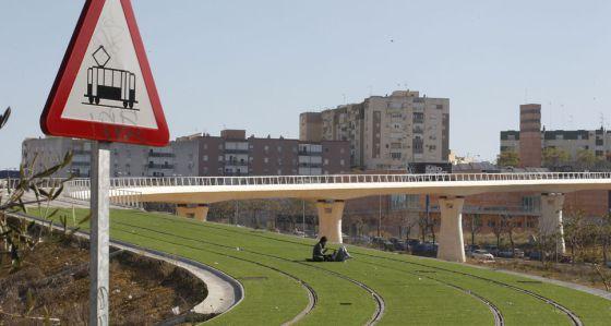 Obra de construcción del tranvía de Alcalá de Guadaira