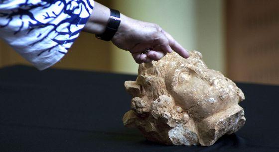 La cabeza de mármol romana localizada en la Sagrera de Barcelona.