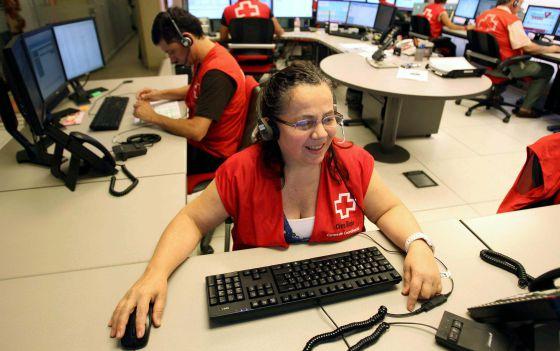Una de las teleoperadoras de Cruz Roja.