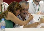 Griñán pide ganar espacio social en un congreso con fuertes críticas