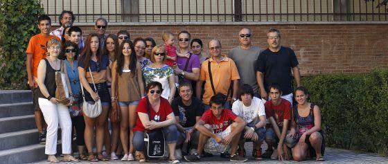 Padres y alumnos movilizados en el instituto Mariana Pineda.
