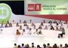 Griñán forma una ejecutiva de fieles y excluye a Jaén