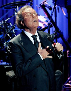Julio Iglesias, en su actuación del domingo en el Palau de Les Arts
