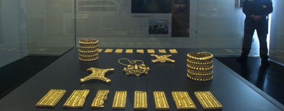 Imagen del original del Tesoro del Carambolo.