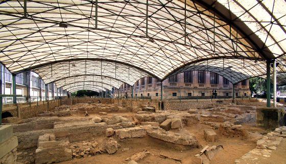 Necrópolis romana junto al edifico de la antigua Tabacalera.