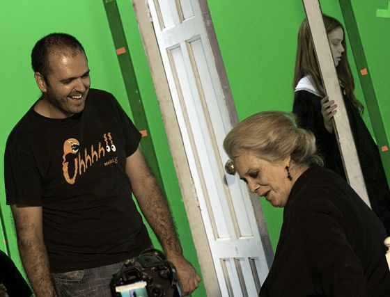 Rodaje de 'La victoria de Úrsula', de Nacho Ruipérez, con la actriz Terele Pávez en primer plano.