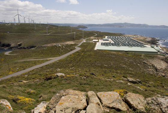 Piscifactoría y parque eólico en cabo Vilán (Camariñas), un espacio incluido dentro de la Red Natura.