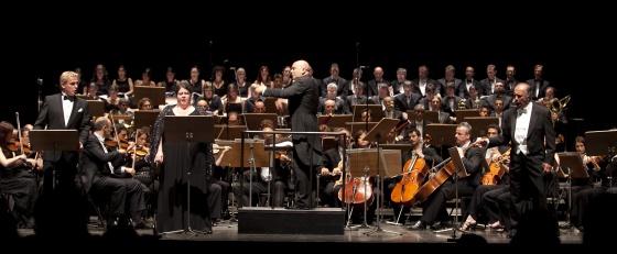 Misha Didyk, Angela Meade, el director Roberto Rizzi Brignoli y Leo Nucci en el Festival de Peralada con 'Il Trovatore'.