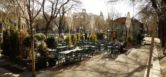 Terraza del Café Gijón en el paseo de Recoletos.