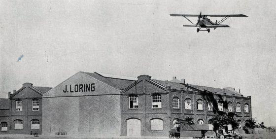 Talleres Loring con el modelo avión fabricación propia Loring RIII.
