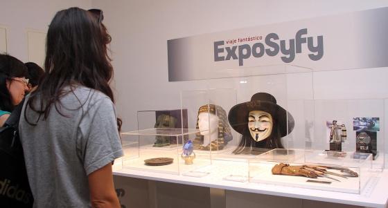 Algunos de los 200 objetos que se exhiben en Málaga.