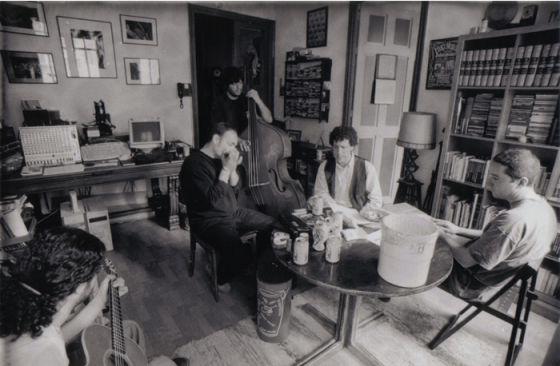 Miki Nervio (segundo por la derecha) & the Bluesmakers en un ensayo en el año 2005.
