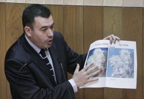El viceportavoz popular Román Rodríguez en el Parlamento.