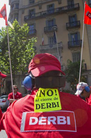 Un trabajador de Derbi, empresa que ejecutó un ERE
