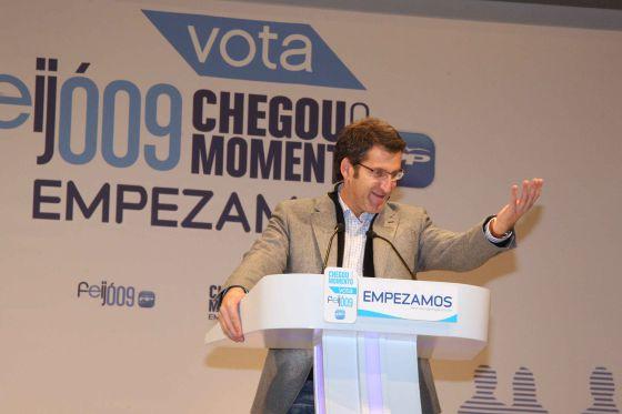 El entonces líder de la oposición, Alberto Núñez Feijóo, durante la campaña de las elecciones autonómicas de 2009.