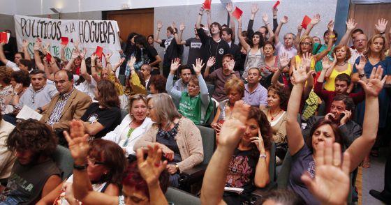 Profesores, alumnos y trabajadores de las universidades, durante la protesta.